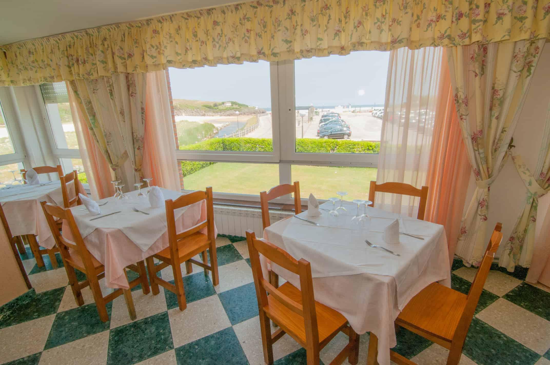 Restaurante - Comedor - Hotel Costa de Ajo
